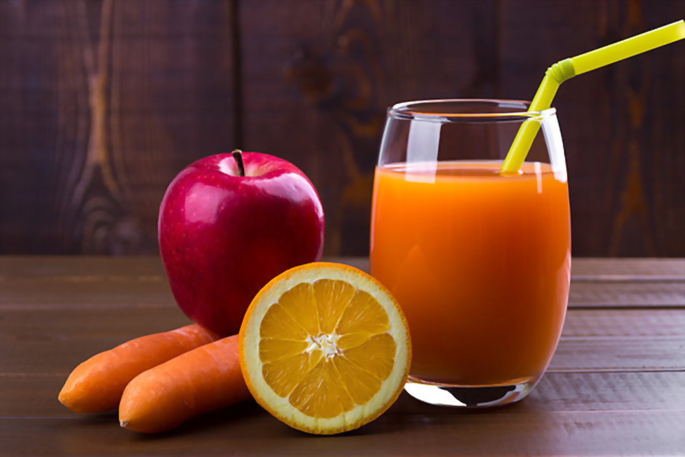 Apple Carrot and Organe Juice Featured